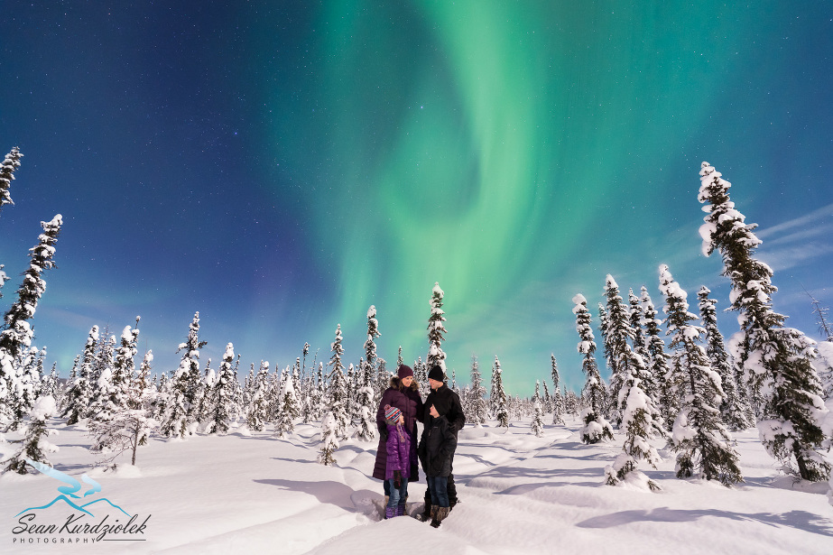 Real Deal Family under the Northern Lights Portraits Fairbanks Alaska